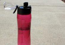 Hacer ejercicios va de la mano con la hidratación durante y después de la rutina