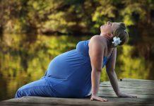 El yoga en el embarazo posee técnicas que permiten la relajación