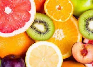 Se recomienda el consumo de frutas para mantener la hidratación