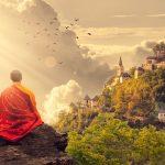 Seguramente hayas escuchado o leído sobre el término meditación y su poder, o incluso hayas intentado practicarlo, bien sea por curiosidad o por sugerencia de algún familiar, conocido o ser querido, sin embargo; te has preguntado alguna vez ¿cuál es el propósito de meditar? ¿hay una o varias formas de meditación?
