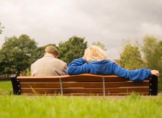 Las adultos mayores por lo regular, son personas saludables, aunque a veces en el plano mental ocurren ciertos cambios que alteran el estado de ánimo, la memoria, el aprendizaje y la orientación. Aspectos como la cultura, la educación y las experiencias adquiridas a lo largo de los años, hacen parte de bases sólidas para volver a aprender lo que con el tiempo se ha ido perdiendo.