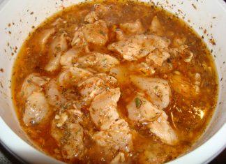 Rica receta de pollo en salmorejo, no querrás parar de comer