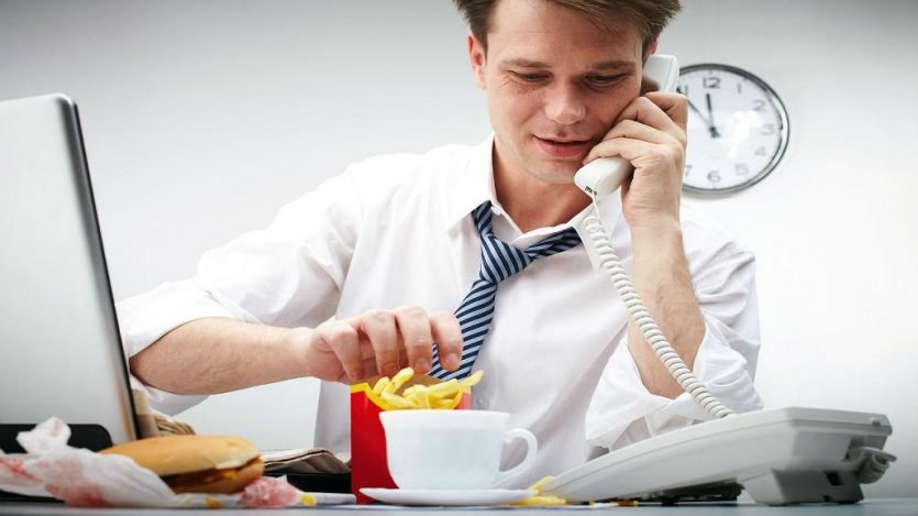 La crononutrición advierte no saltarse las comidas