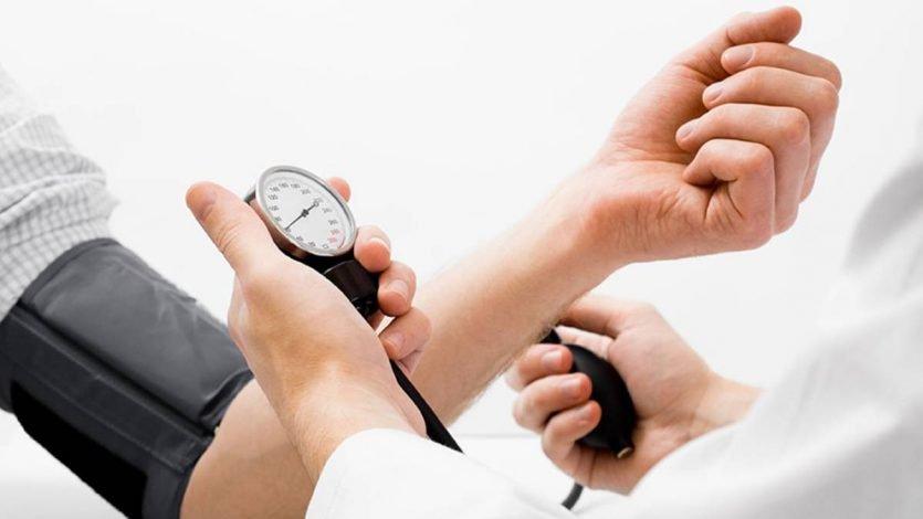 Opciones para tratar la hipertensión sin el uso de fármacos