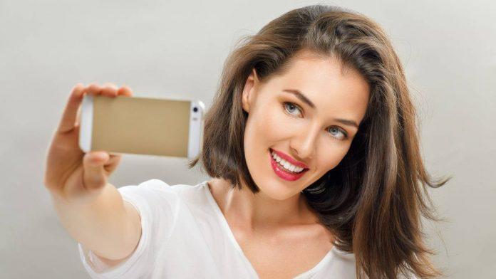 Selfitis, ¿un trastorno de la autoestima?