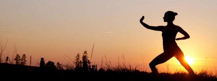 La esencia del chi kung o qi gong es la sincronización armónica de los tres procesos vitales: cuerpo, mente (corazón) y respiración