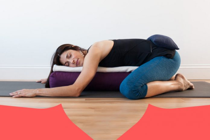 Yoga restaurativo y sus beneficios
