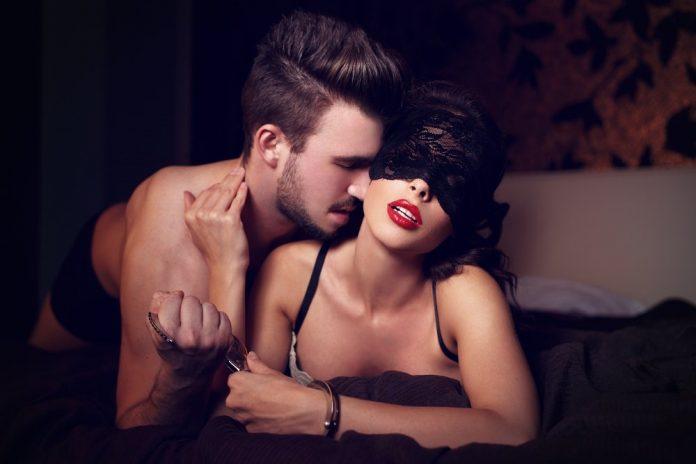 El potro, la postura sexual apta para esos hombres dominantes