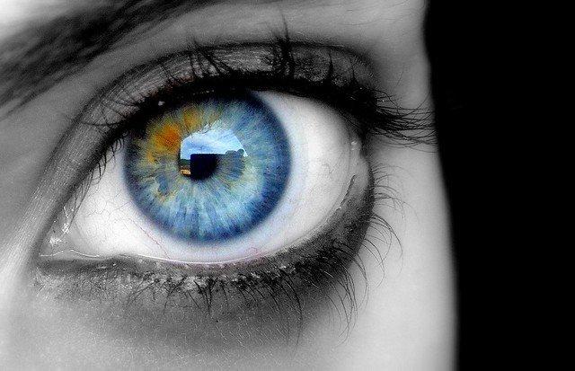 8e95a03415 Mitos sobre los lentes de contactos que son totalmente falsos