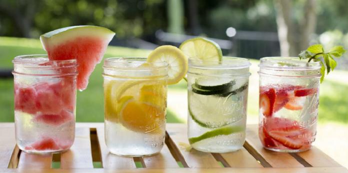 Preparar una infusión de frutas: 5 recetas fáciles
